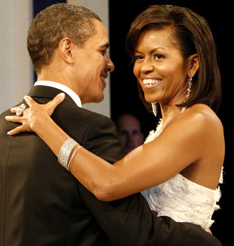 800px-Barack_and_Michelle_Obama_at_the_Home_States_Ball